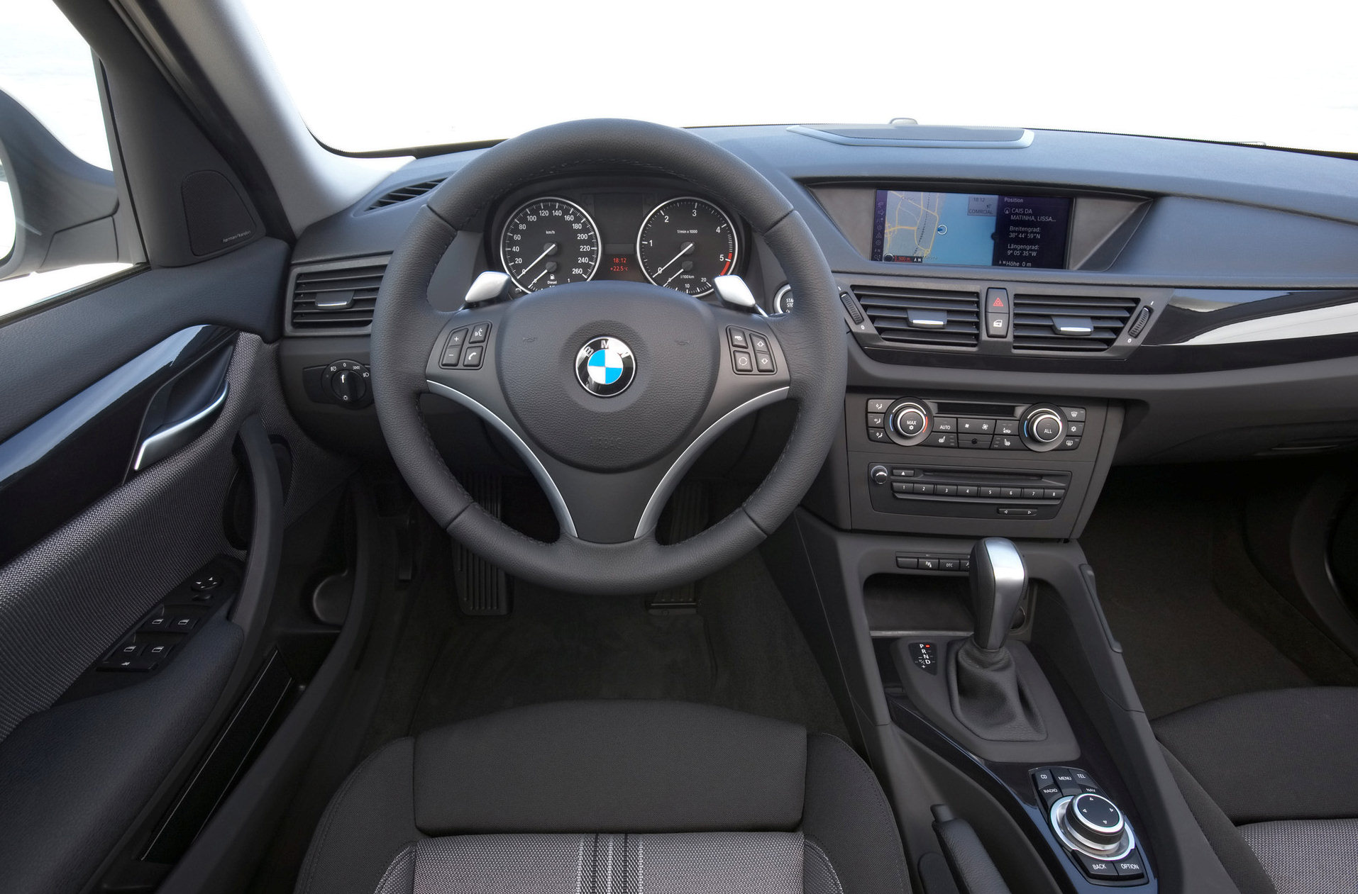 Intrieur 3 3 bmw x1 2010 for Interieur x1